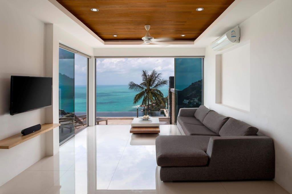 Floor to Ceiling Windows for Seamless Indoor-Outdoor Living.