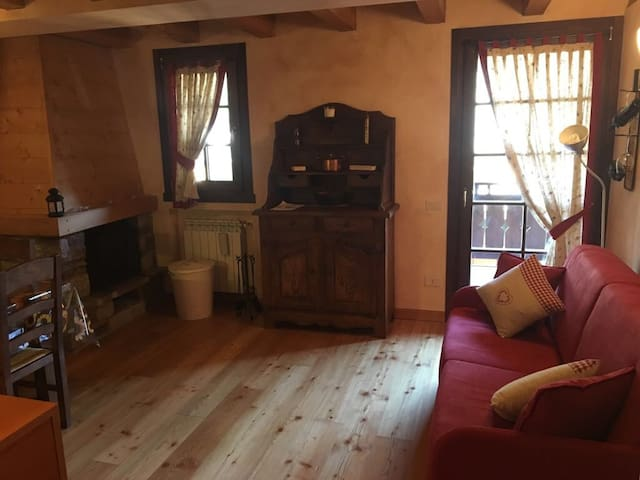 Woodland Letti A Castello.Airbnb Ponte Di Legno Vacation Rentals Places To Stay