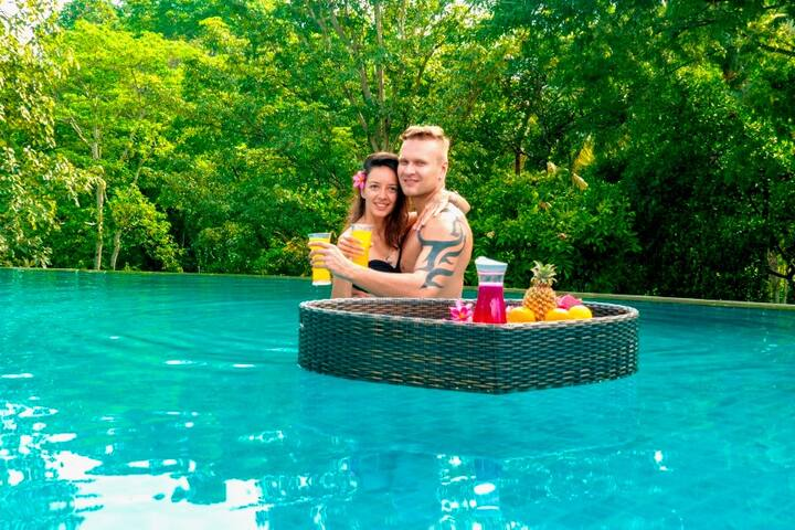 ★New★ Room with Pool & Jungle View 10min Tanah Lot