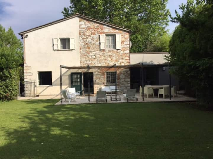 Charming  villa with quite   garden and patio