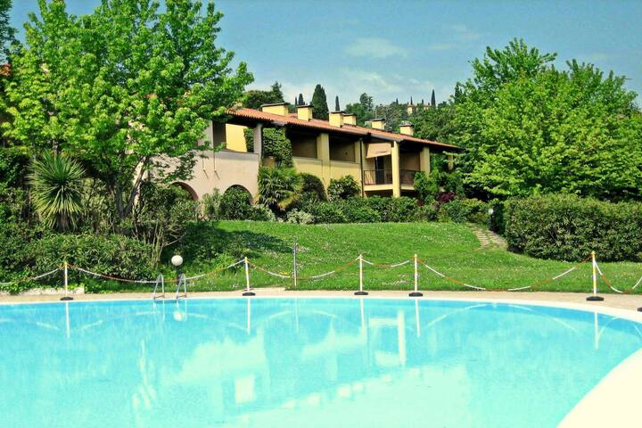 Luxurious holiday Home in Lombardy with shared Pool