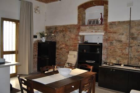 Ampio bilocale  - Zona centro/porto - San Vincenzo - Appartement
