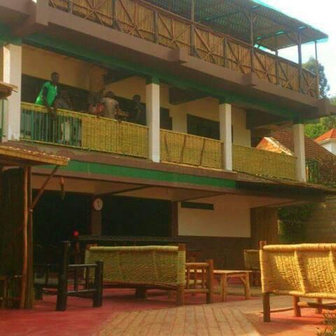 Cafe love beatifull gardens - กัมปาลา - ที่พักพร้อมอาหารเช้า
