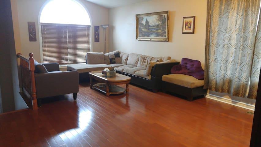 Spacious Niagara Home for Rent (3 Bedrooms).