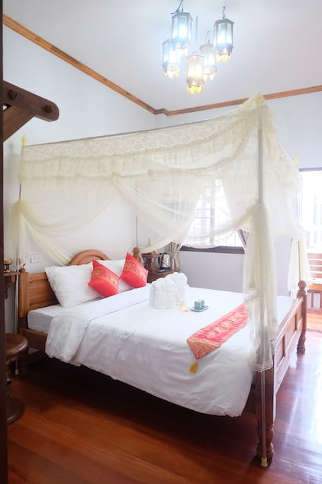 Gland Deluxe Room with Princess Mosquito net
