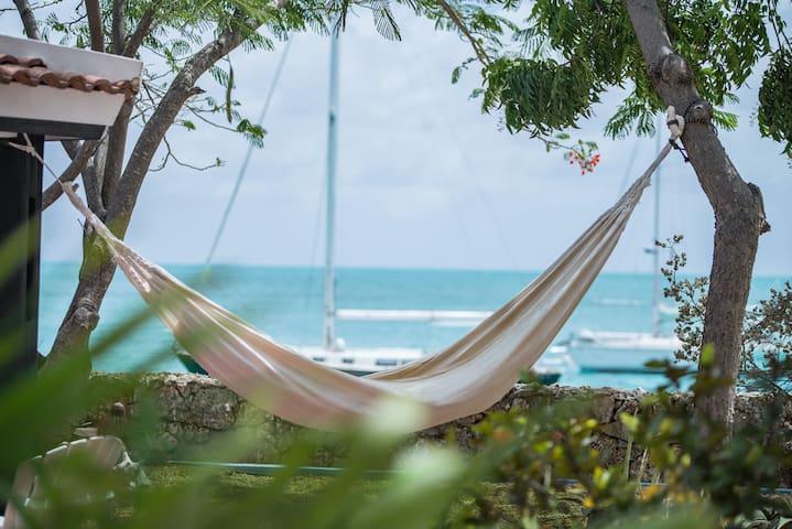 Casa Topana Oceanfront Authentic Bonairean Home - Kralendijk - Hus