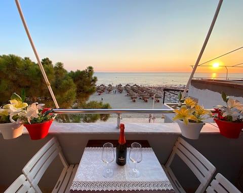 Sunset Sea View • Beachfront Balcony • A/C • Wifi