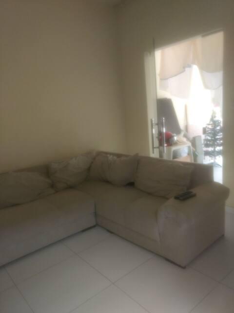 Casa completa , cozinha,sala,2 quartos com mobília