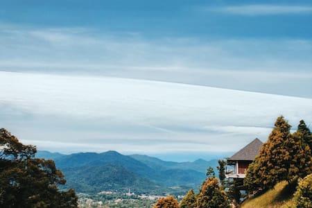 Breathtaking Hilltop View, Sky Villa at KKB Height