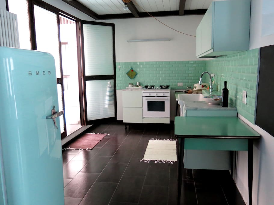 with a kitchen inspired to mid-century
