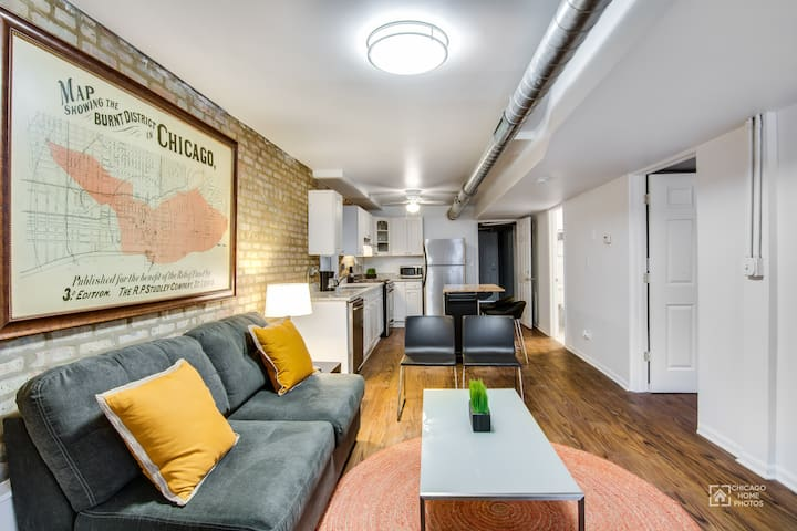 Loft-like Wicker Park Condo Steps from the CTA!