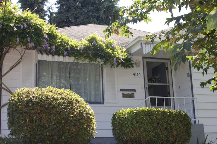 Charming 2 Bedroom Home in Fremont