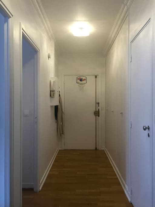 Entrance / hall