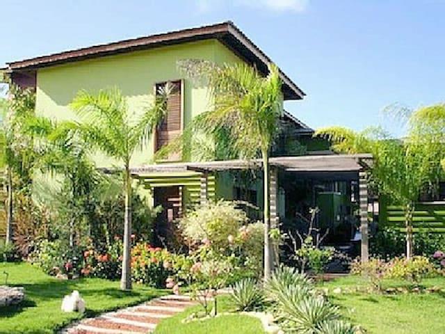 Casa com 6 suítes na Praia do Forte, BA - Praia do Forte - Casa