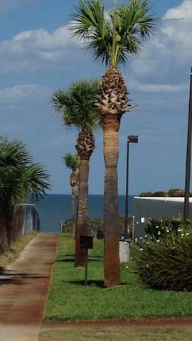 Loft By The Sea - Ormond Beach - Lägenhet