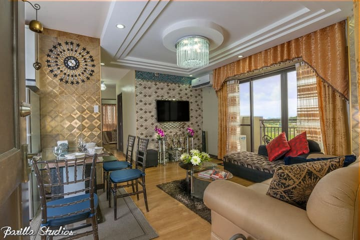 3BR LUXURY CONDO UNITwith KARAOKE & WIFI in MANILA - Taguig - Apto. en complejo residencial