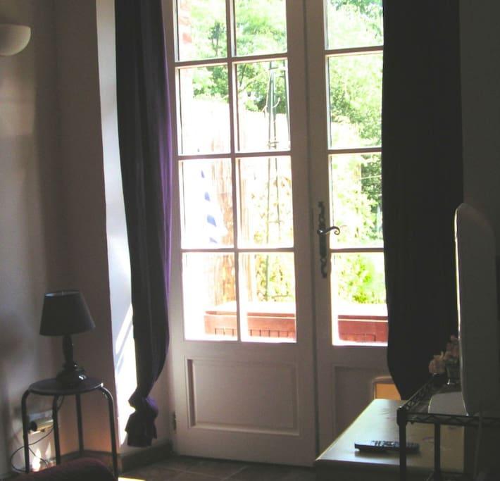 Salon donnant sur la terrasse
