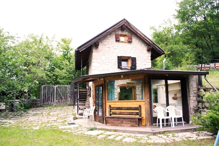 Intera casa  Mezzomonte di Folgaria - Trentino - Rumah