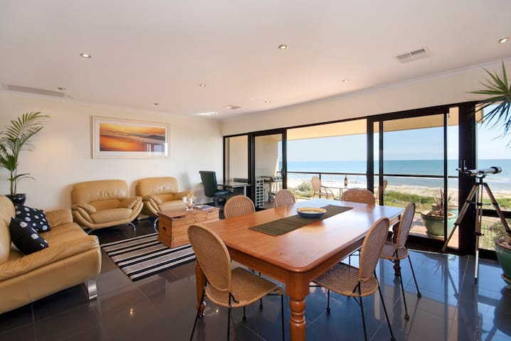 Aquarius Stunning Direct Beachfront - West Lakes Shore - Apartment