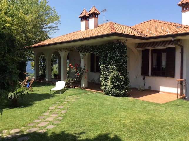 Como Lake...House with Garden - Mandello del Lario