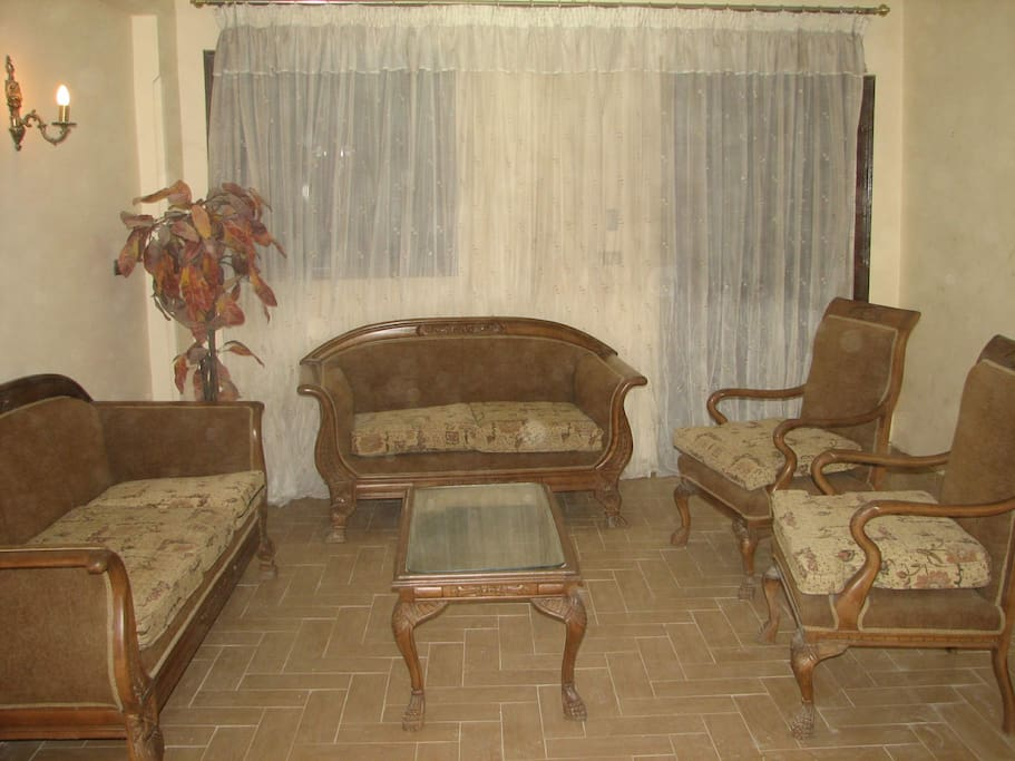Large flat luxor egypt temples apartments for rent in for Luxor baths