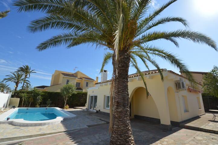 Villa in Cabo Roig 250 m vom Strand - Alicante - Villa