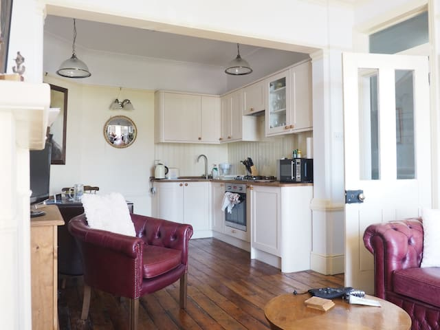 Period seafront apartment - Southend-on-Sea - Byt