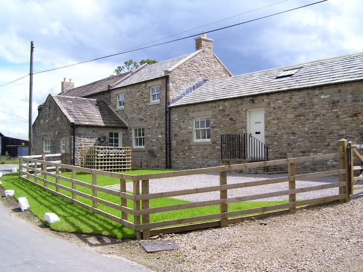 North Cottage, Thwaite Cottages, rural retreat