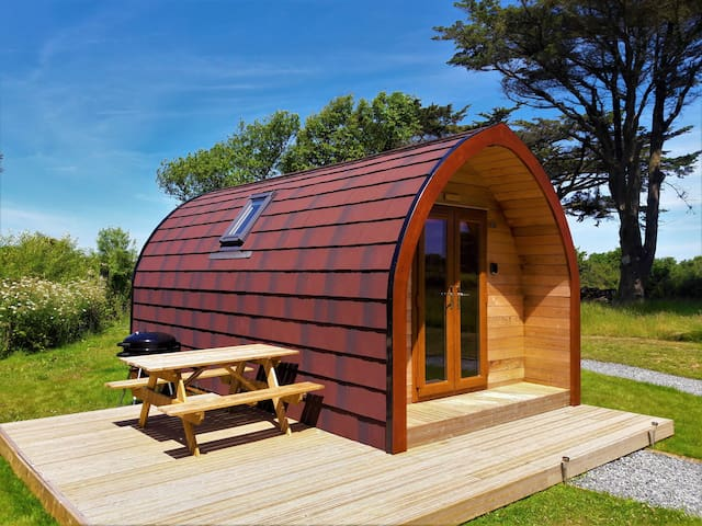 Wren - One night stays available En-suite cabin