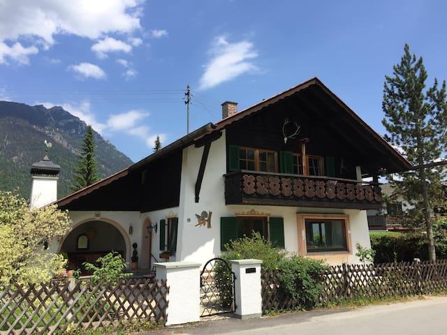 Idyllisches Bauernhaus (ganzes Haus mit Garten)