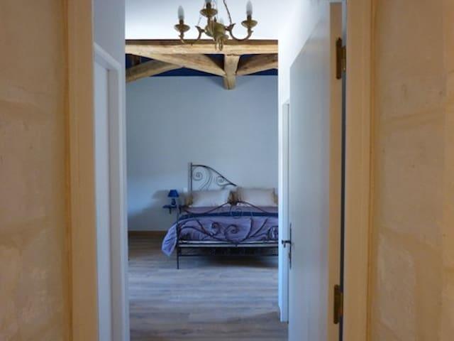1001 nuits en Charente Maritime - Saint-Thomas-de-Conac - 家庭式旅館