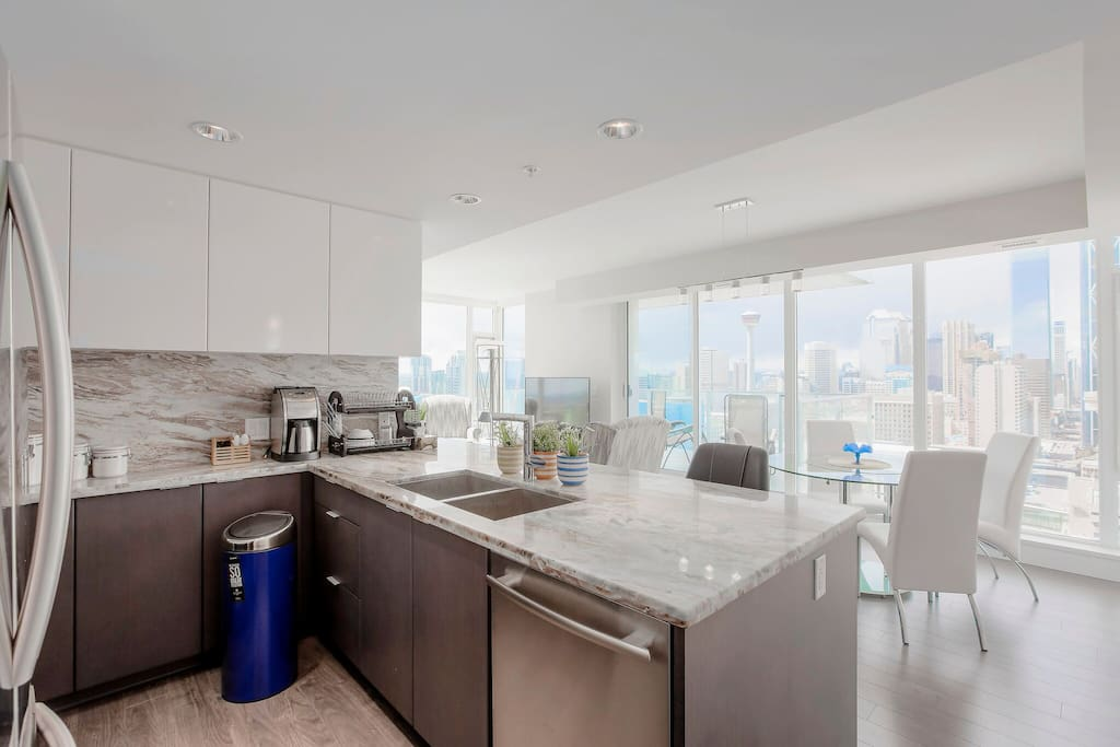 Kitchen with High End Appliances and Gorgeous Views