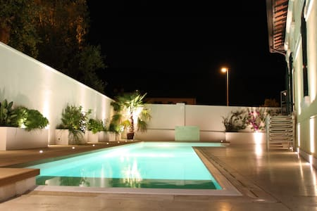 Beautiful Villa with pool  - Quercianella - 一軒家