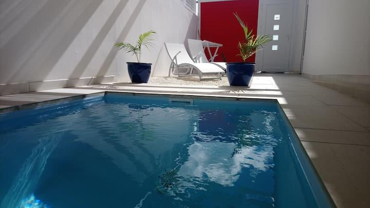 Gîte Grenadille, 1 ch avec piscine privée et SPA