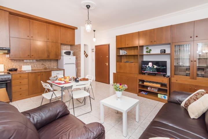 Living Room / Kitchen / Entrance