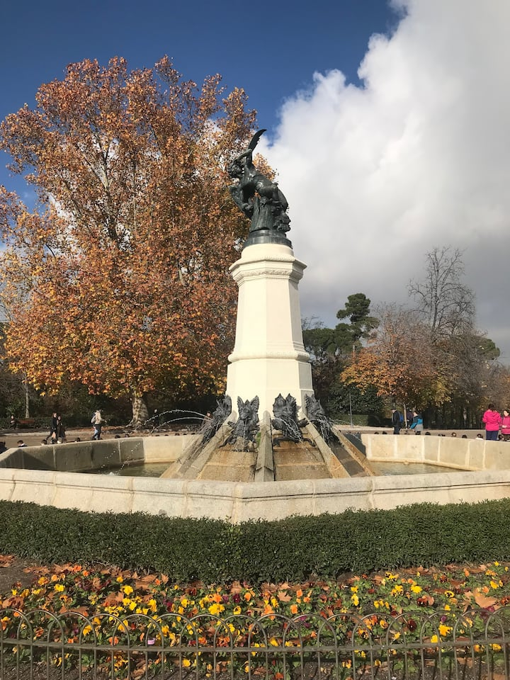 Fall Angel Statue
