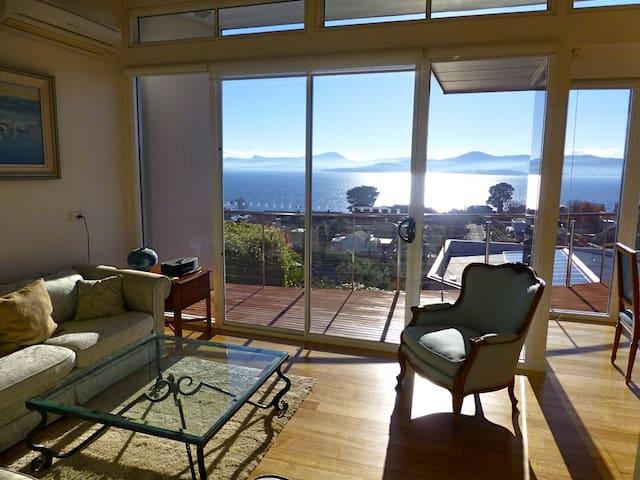 567, Luxury with river & city views - Sandy Bay - Casa