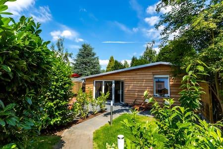 Cottage, Luxusferienhaus m. Sauna - โคโลญ