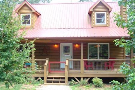 Lone Star Creekfront Cabin, fun! - Martin - House
