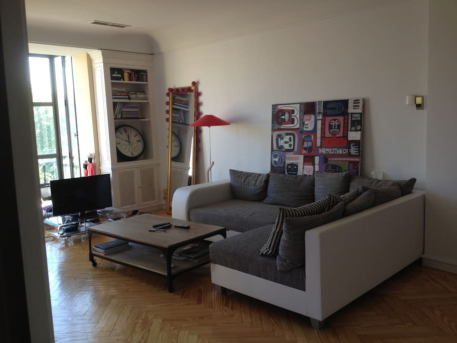 LIVINGROOM (2PAX sofa/bed)