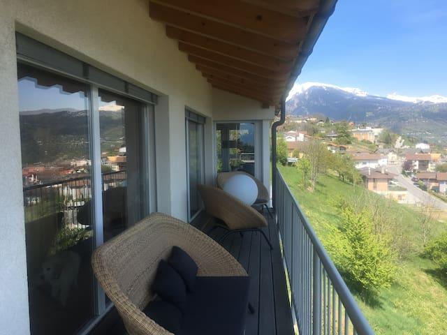 Superbe Maison de 200 M2 avec vue panoramique ;) - Ayent - Hus