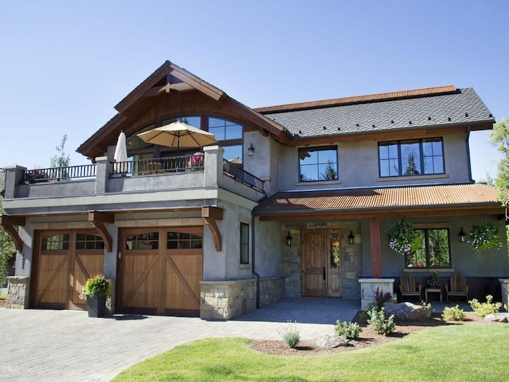 Ketchum Home with Stunning View of Baldy