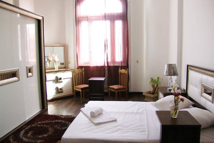 Wonderful Private room in Downtown - cairo - Bed & Breakfast