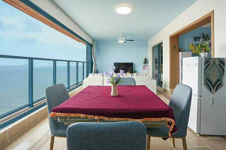 惠州惠东万科双月湾两房一厅3床休闲度假一线日出海景房(可做饭带麻将机)