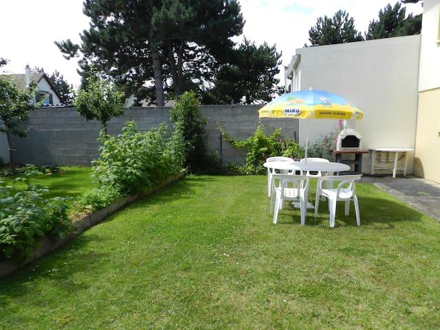 Studio avec jardin et barbecue à 500m de la mer - Merville-Franceville-Plage - Apartamento