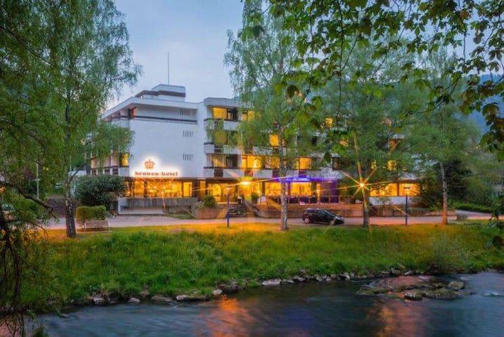 Kronen Hotel, (Bad Liebenzell), Einzelzimmer mit Dusche und WC
