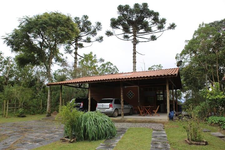 Chalé aconchegante, Maromba/Escorrega