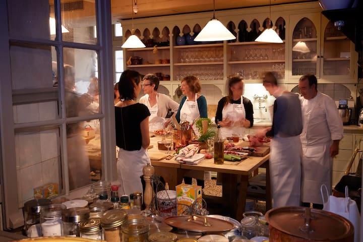 Cooking lessons at La Mirande, in Avignon