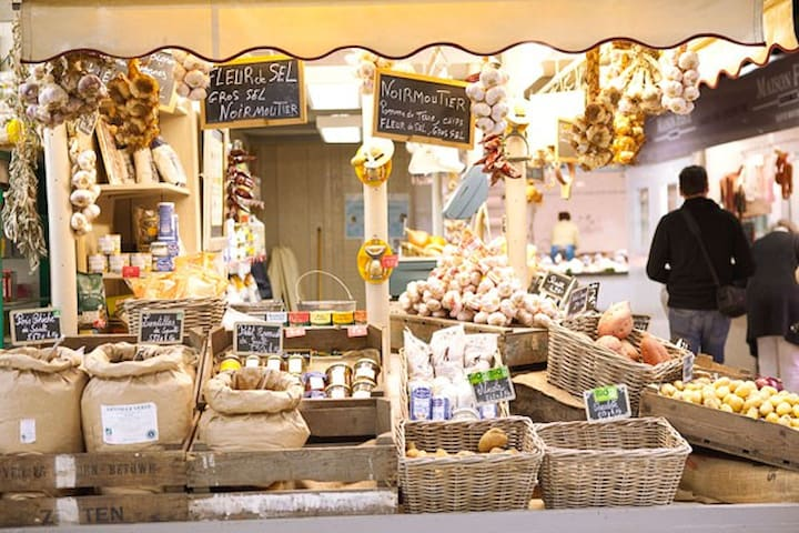 Les Halles Avignon : the perfect place for gourmet