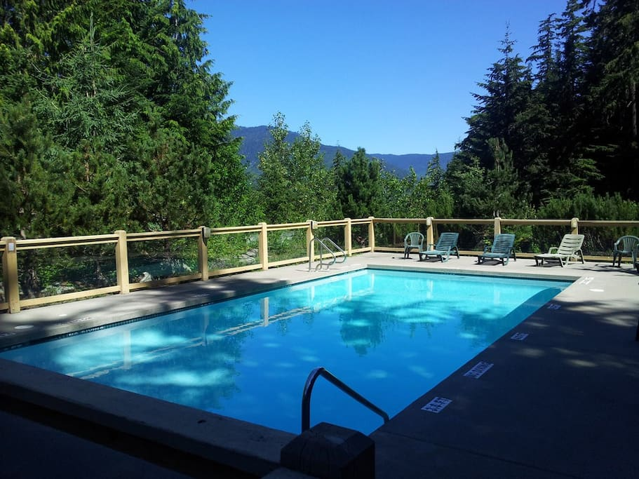 Lovely warm summer. Shared strata pool. Most often very quiet and private